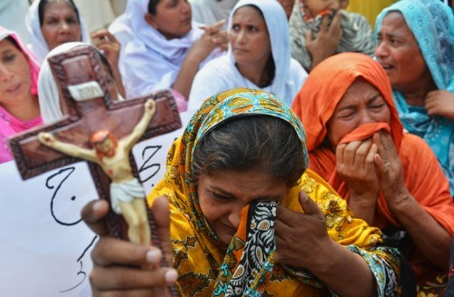 http://citizen.co.za/afp_feed_article/christians-fear-attacks-after-pakistan-church-bombs/