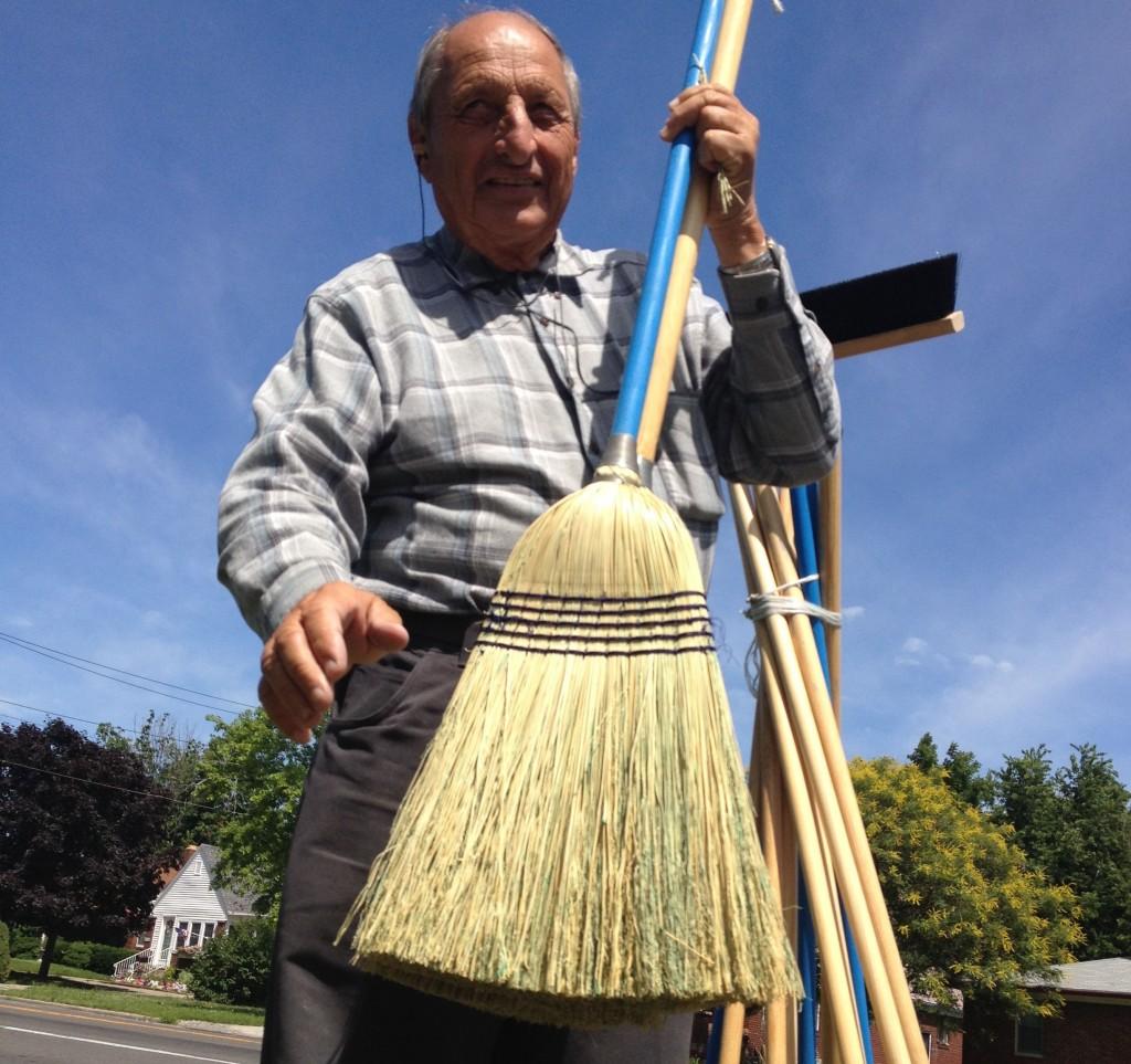 Jim Richter, broomsman